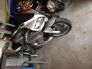 Suzuki SV1000S Motor Bike,like new