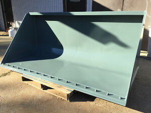 """96"""" ARROW LOADER BUCKET QUICK ATTACH NEAR NEW WITH BOLT ON BLADE"""