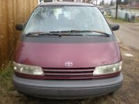 GREAT DEALvery low milage 166kms  1993 Toyota Previa 1500$