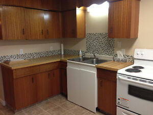 Available immediately!  Bright & spacious Room for rent, Only $6