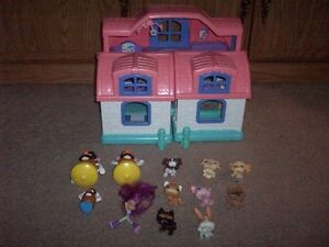 Fisher Price Little People House 2 and misc