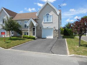 maison jumelée avec garage