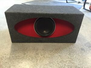 JL Audio 10W7 in H/O box
