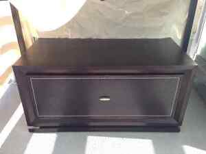 Storage trunk / tv table for sale