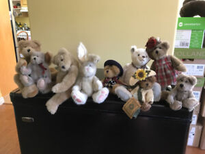 Vintage Boyd's Bears. Excellent condition.