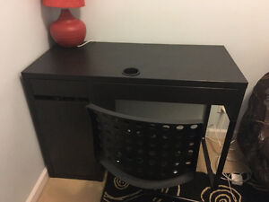 Desk available $60 for pickup New Westminster