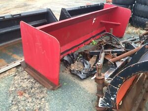 10' snow pusher with skid steer quick connect