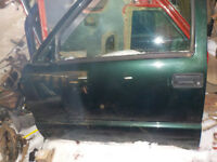 Very good parts off a 2003 GMC SONOMA