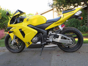 Honda CBR 600 RR One owner, low km