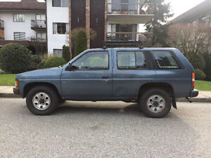 1991 Nissan Pathfinder XE SUV, Crossover