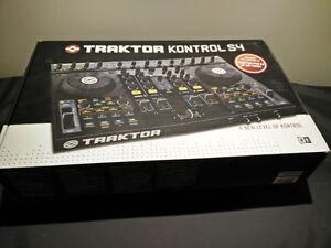 Native Instruments Traktor Kontrol S4 MK1 - DJ Controller
