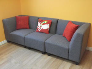BEAUTIFUL 6 PIECE GREY MODULAR COUCHES - USED 3 WEEKS London Ontario image 7