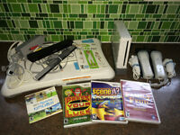 Nintendo Wii + Wii Fit + Games + Charger +++