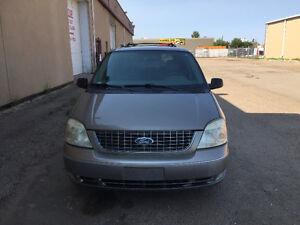 2004 Ford Freestar Limited Minivan, Van