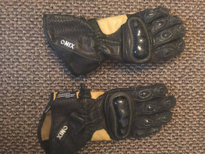 Onyx Kangaroo leather motorcycle gloves