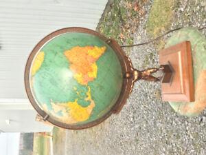 Globe terrestre en verre mr Atlas 1953
