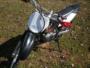 2007 Suzuki DRZ 125L Dirt Bike