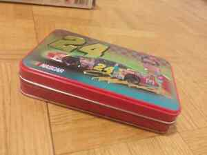 Jeff Gordon NASCAR model car and tin Kitchener / Waterloo Kitchener Area image 4