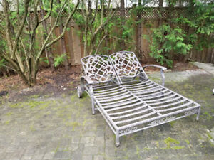 Outdoor Reclining Love Bed (no cushions)