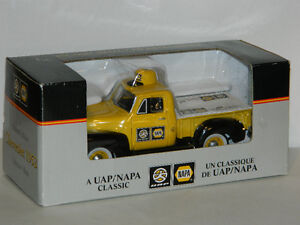NAPA 1/25 Scale 1952 Chevy 3100 Collector's Bank Diecast Car