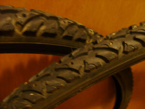 Winter tires 700x35