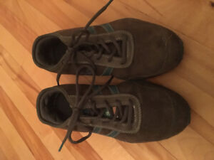 Steel toe boots size 8.5 women