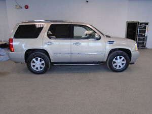2008 CADILLAC ESCALADE LUXURY SUV! 6 PASS! SPECIAL ONLY $16,900!