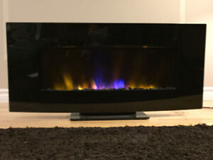 Wall mount electric fireplace (never been used)
