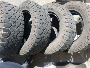 275/65/18 goodyear duratrac tires