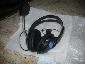 Wired Gaming Headphones with Microphone for Sony PS4