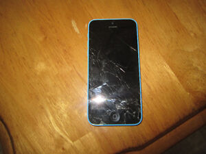 Iphone 5C 32gb locked to Rogers, needs screen