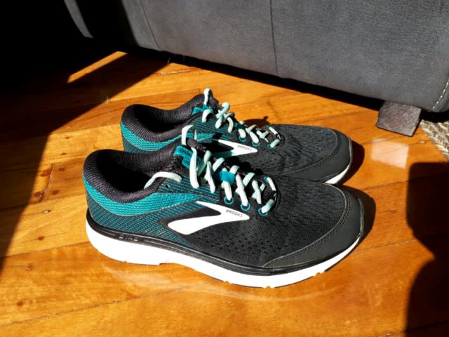701fc107f0904 New running shoes Brooks Dyad 10. Womens 9