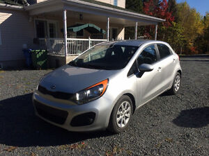 2013 Kia Rio5 LX+ (en excellente condition!)