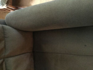 Brown recliner electric Excellent condition