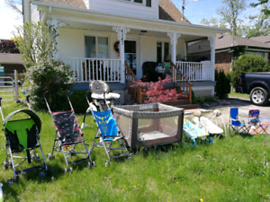 Garage baby stuff for sale