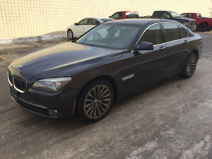 2011 BMW 750i X-Drive Low KMS! Very Clean!!