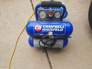 AIR COMPRESSOR LIKE NEW WITH  HOSE