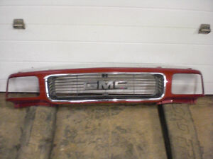"94-96 GMC Jimmy / Sonoma P/U Front Grille ""MINT"""
