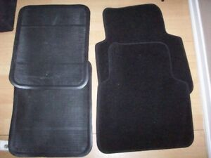 2 sets of car mats