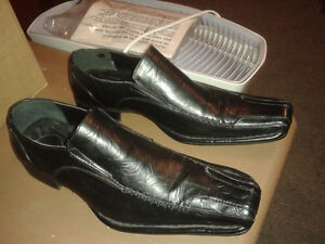 Man black dress shoes