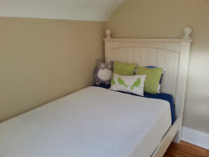 Twin Bed - perfect condition