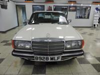 Mercedes-Benz E230 W123 1984 !! COLLECTORS ITEM !!