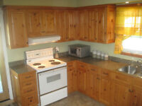 KNOTTY PINE KITCHEN CABINETS/ ARMOIRES EN PIN NOUEUX A VENDRE