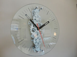 "Oversized 24"" Diameter Moving Gear Clock w/ Glass Face Kitchener / Waterloo Kitchener Area image 1"