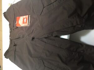 North Face Cargo Pant Mens Med.  New, tags-on, never worn