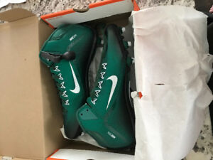 Green Nike Alpha Pro 2 (3/4 ankle) D - Brand New