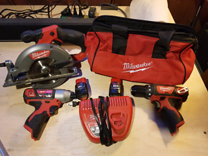 Milwaukee drill and saw combo set