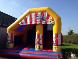 LARGE BOUNCY CASTLE WITH INTERNAL SLIDE