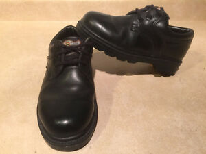 Women's John Deere Waterproof Leather Shoes Size 5.5 London Ontario image 5