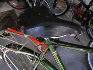 Vintage BROOKS leather saddle seat B66